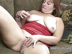Mature slut Liisa is finish feeling banging the brush plump pussy
