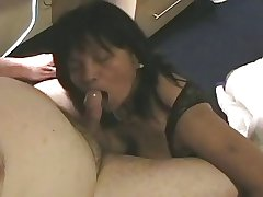 Full-grown Amateur Asian Gives Blowjob