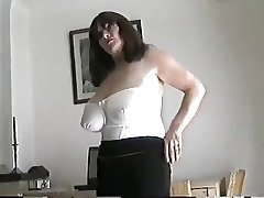 Adult milf with large pair rubbing their way pussy