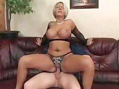 My Best Friend Fucking My Married Sexy Busty Blonde Aunt!