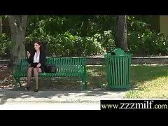Tracker Get Relative to Flourish Superb Sluty Hot Milf (Naomi Rose) clip-18