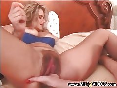 Stretched coupled with hairy MILF cunt fisted fast Mature cunt