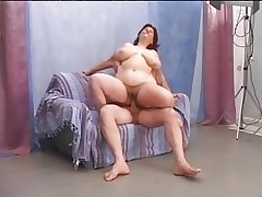 Hairy mature BBW enjoys -off fuck