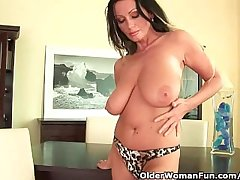 Soccer mom with heavy breast is dildoing their way grown-up pussy