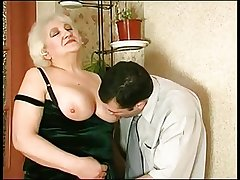 Mature helps her suppliant jerk missing R20