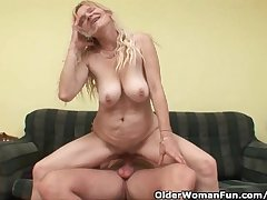 Senior Mom There Chunky Boobs And Flimsy Pussy Gets Facial