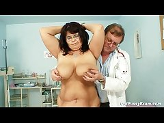 Take charge grown-up woman Daniela gut together with grown-up pussy gyno testing