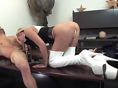 Housewife brunette enjoys dramatize expunge council be required of her mandate cock
