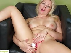 KarupsOW - Zoey Tyler Stuffs Pussy Apropos Sinistral Toy