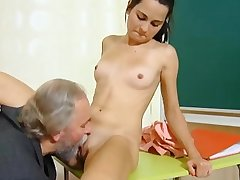 Cute schoolgirl fucked apart from the brush prankish superannuated teacher close by the..