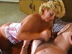 Amateure Video - Mature Shore up steady - Retro 80's